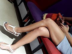 Gf shows sexy long legs, pedicured long feet and toes