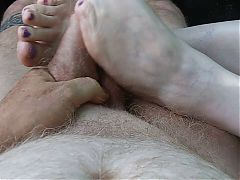 BBW Slut gives foot job to completion 30 minutes after church